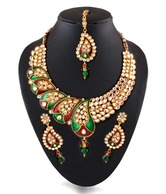 Utsavi Perfect Paisely Traditional Kundan Necklace Set